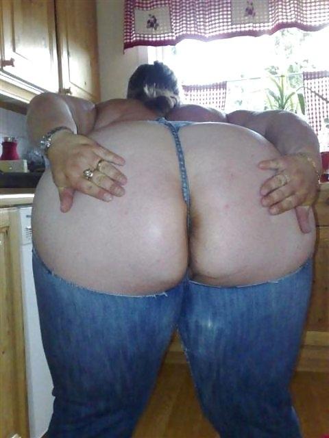 У мам пышные попки порно фото
